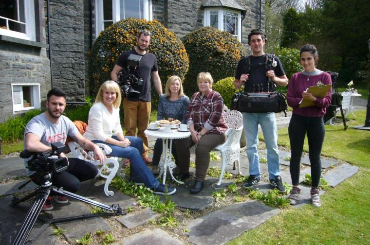BBC Escape to the Country with Nicki Chapman Closing Scenes